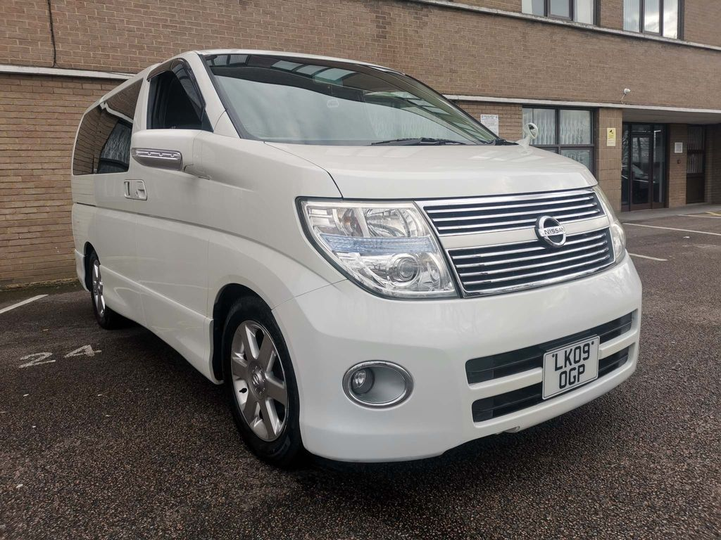 Nissan Elgrand MPV 2.5 HIGHWAY STAR 8 SEATER 50,000 MILES
