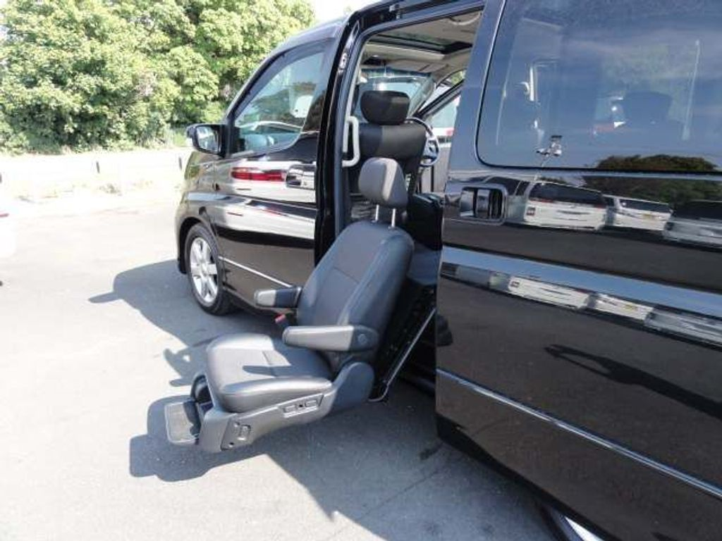 Nissan Elgrand MPV WELCAB DISABLED SEAT HIGHWAY STAR