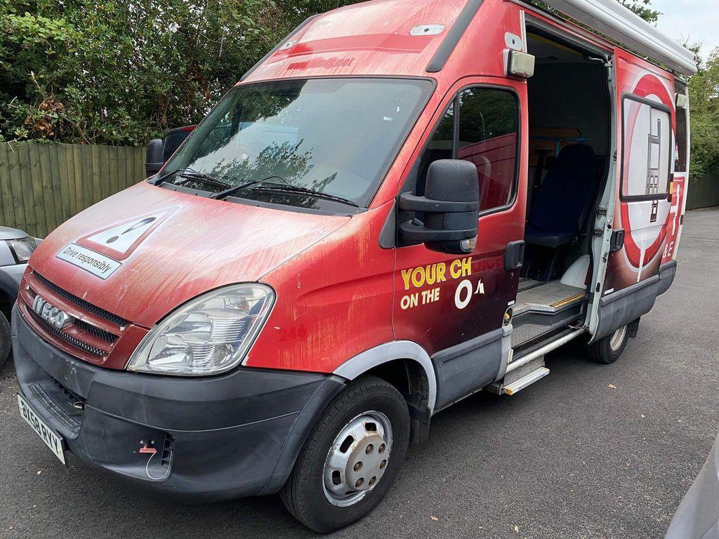 Iveco Daily Specialist Vehicle 50C 18 30cc SEMI GLAZED WINDOW VAN H/R