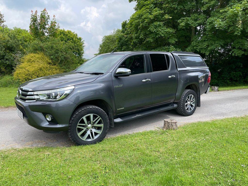 Toyota Hilux Pickup 2.4 D-4D Invincible Double Cab Pickup Auto 4WD EU6 (s/s) 4dr (TSS, 3.5t)
