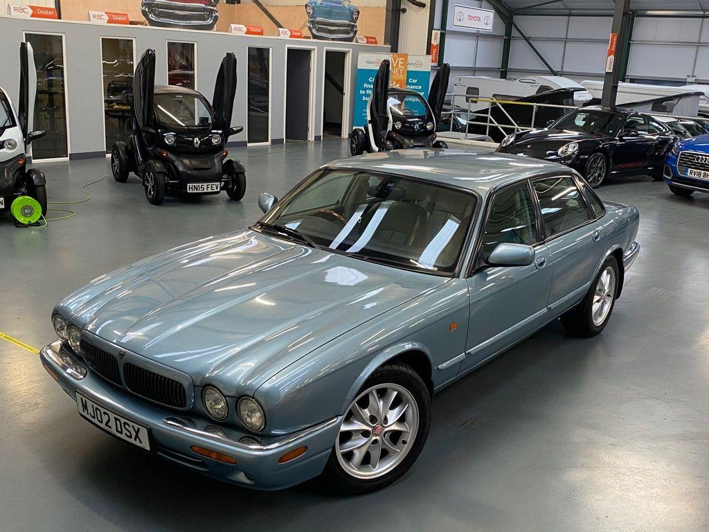 Jaguar XJ Saloon 3.2 XJ8 Sport 4dr
