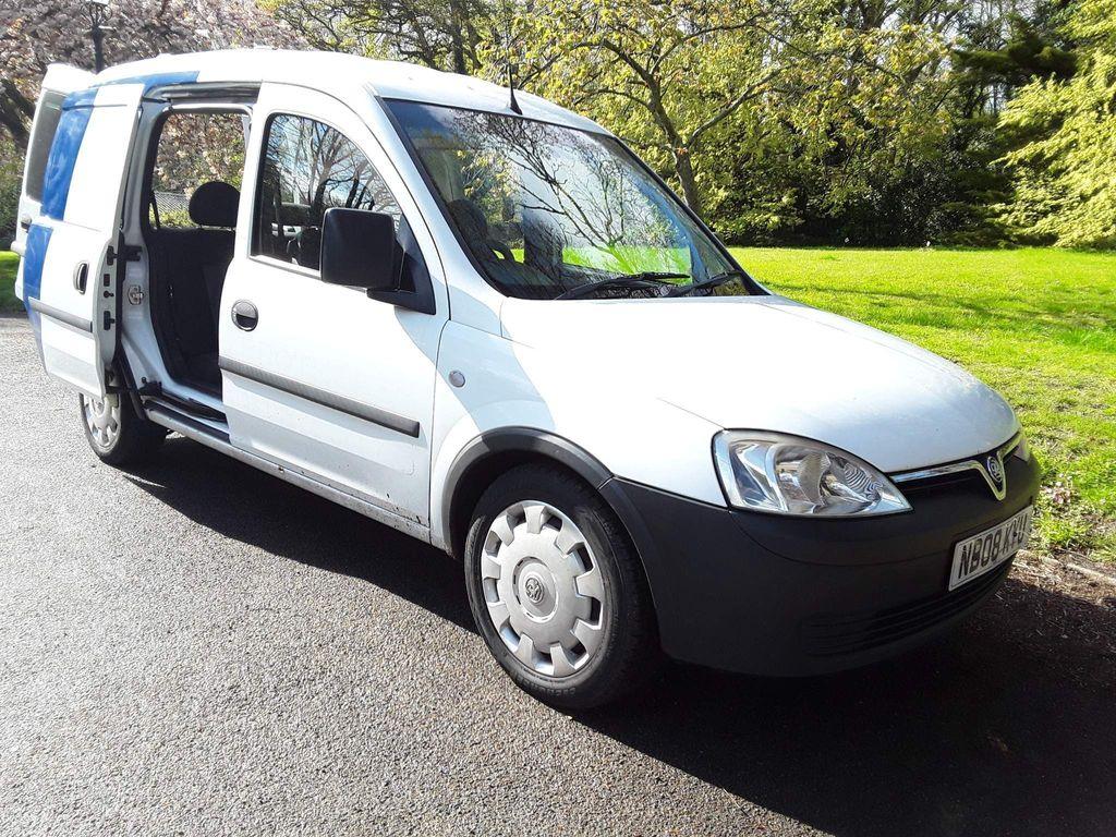 Vauxhall Combo Combi Van 1.7cdti 2000 crew van 5 seater 143g/km