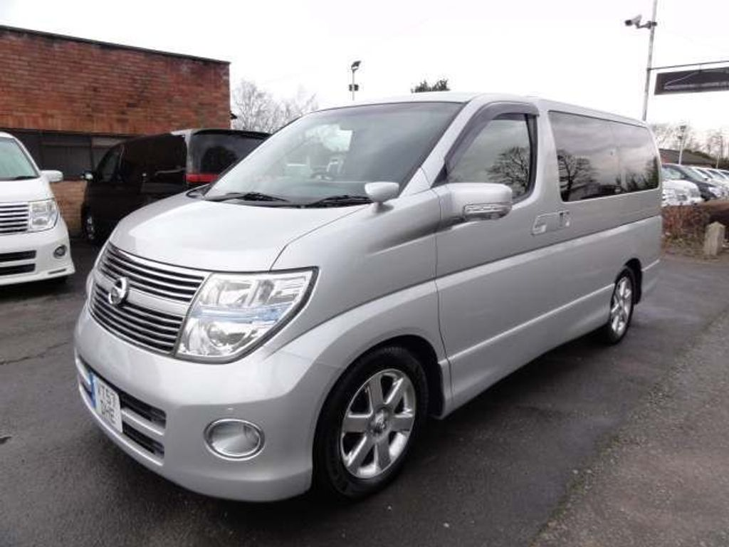 Nissan Elgrand MPV HIGHWAY STAR SERIES 3 IMMACULATE
