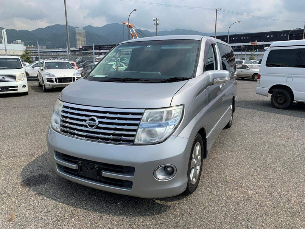 Nissan Elgrand MPV highway star fresh import