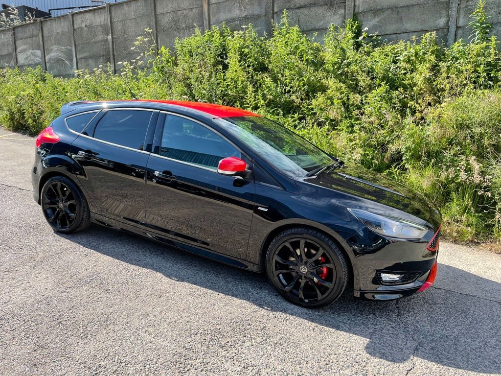 Ford Focus Hatchback 1.5T EcoBoost Zetec S Black Edition (s/s) 5dr