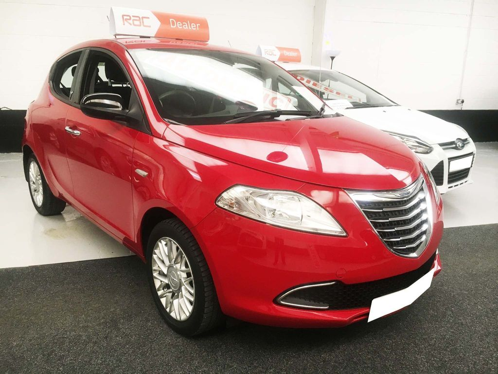 Chrysler Ypsilon Hatchback 0.9 TwinAir Gold (s/s) 5dr