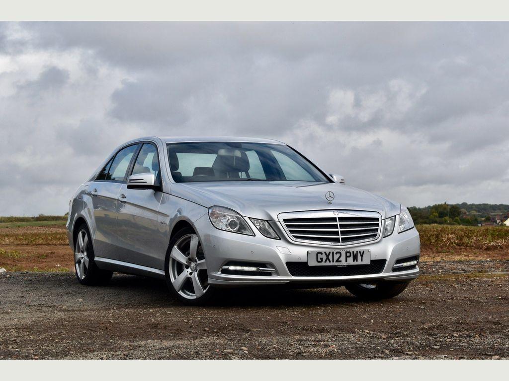 Mercedes-Benz E Class Saloon 2.1 E220 CDI BlueEFFICIENCY SE G-Tronic 4dr