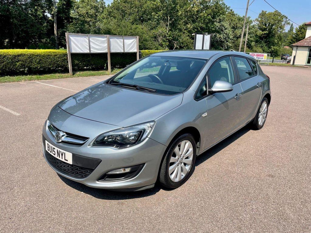 Vauxhall Astra Hatchback 1.6i Design Auto 5dr