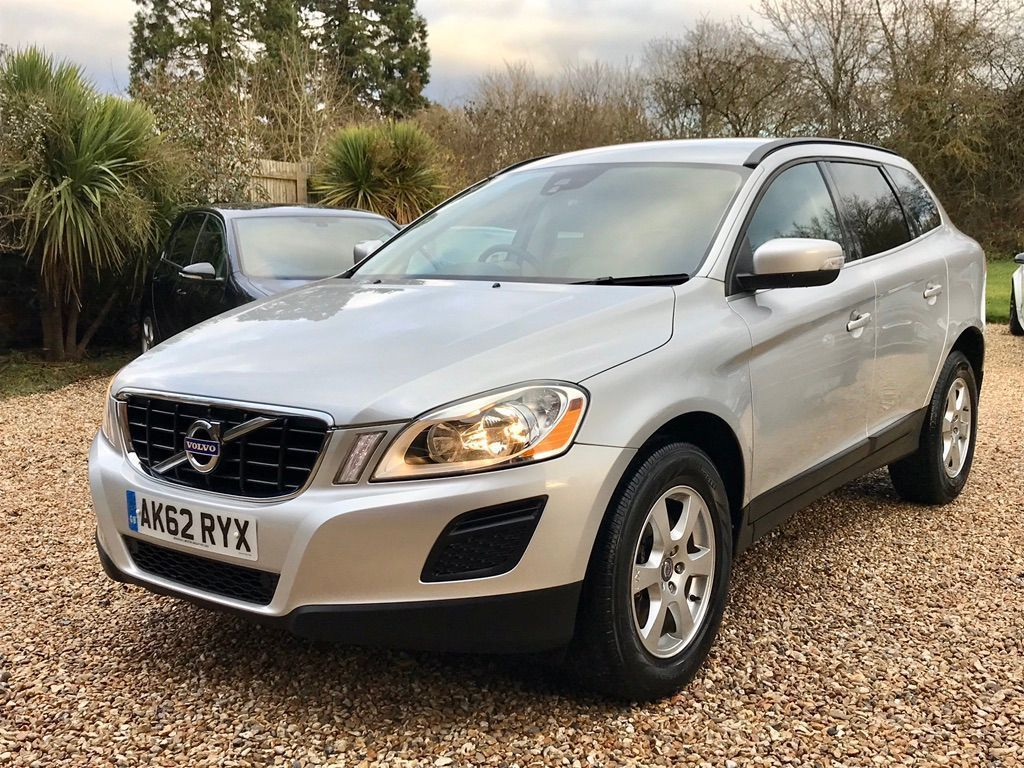 Volvo XC60 SUV 2.0 D3 DRIVe SE Geartronic 5dr