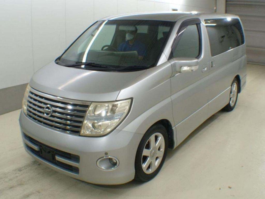 Nissan Elgrand MPV Highway Star