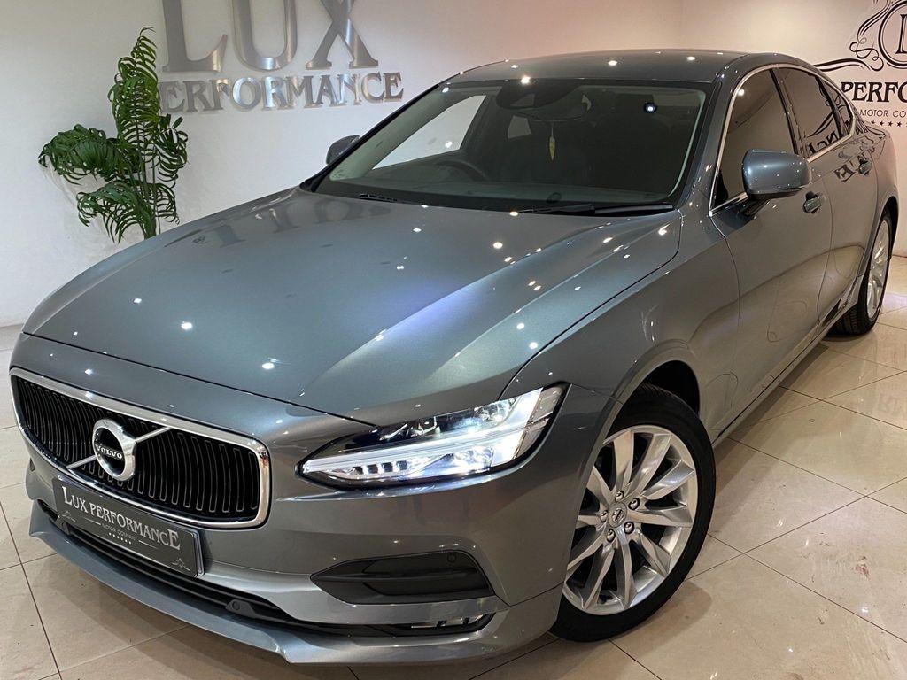 Volvo S90 Saloon 2.0 T4 Momentum Plus Auto (s/s) 4dr