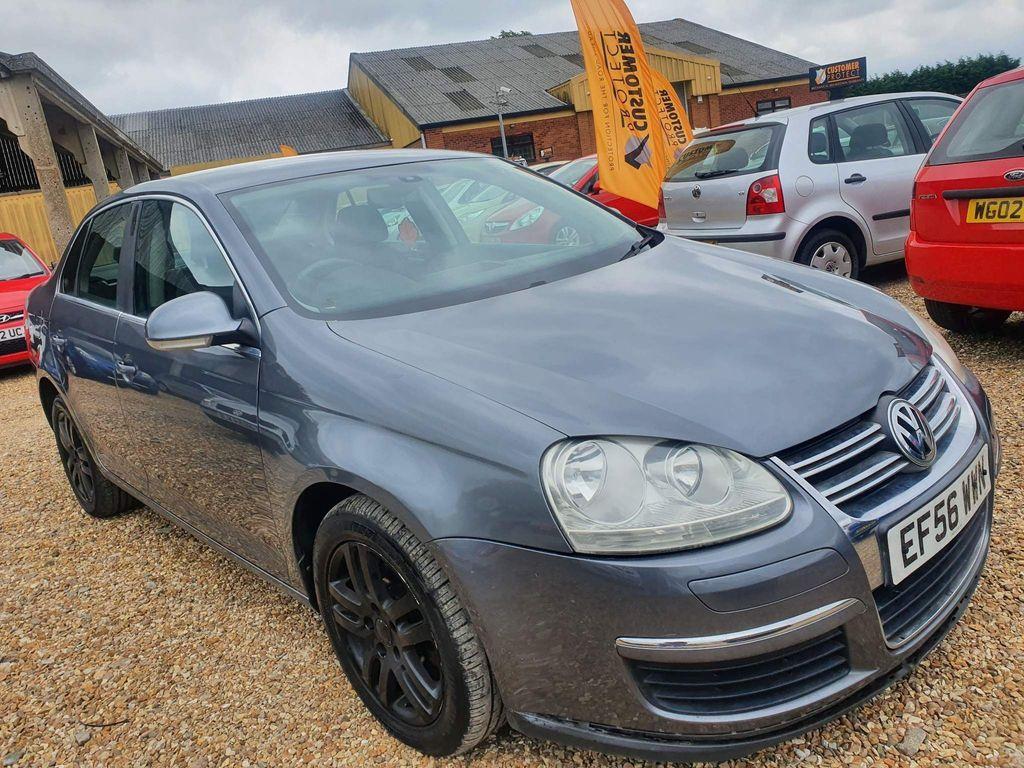 Volkswagen Jetta Saloon 2.0 TDI SE DSG 4dr
