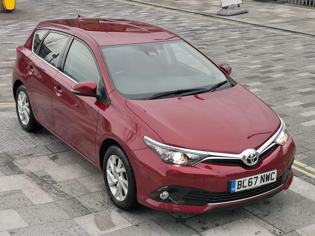 Toyota Auris Hatchback 1.2 VVT-i Icon CVT (s/s) 5dr (Safety Sense)