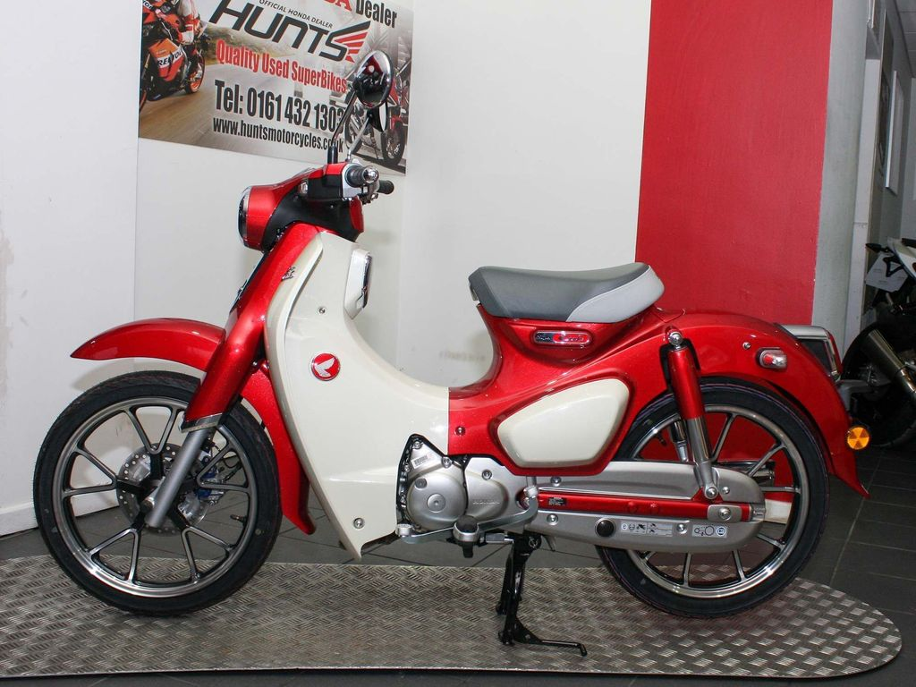 Honda C125 Moped 125 Super Cub