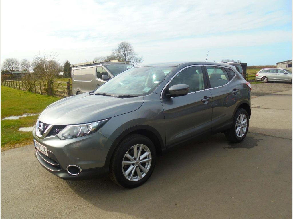 Nissan Qashqai SUV 1.2 DIG-T Acenta (Smart Vision & Tech Packs) 5dr