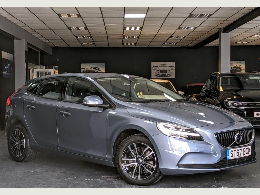 Volvo V40 Hatchback 1.5 T2 Momentum Nav Plus Auto (s/s) 5dr