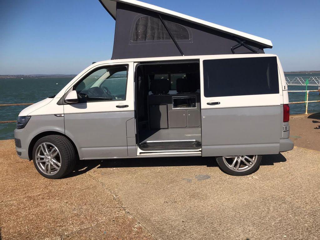 Volkswagen Transporter Campervan Pop top roof 4 berth campervan