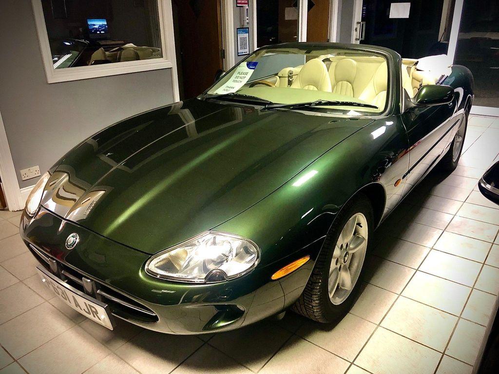 Jaguar XK8 Convertible 4.0 2dr