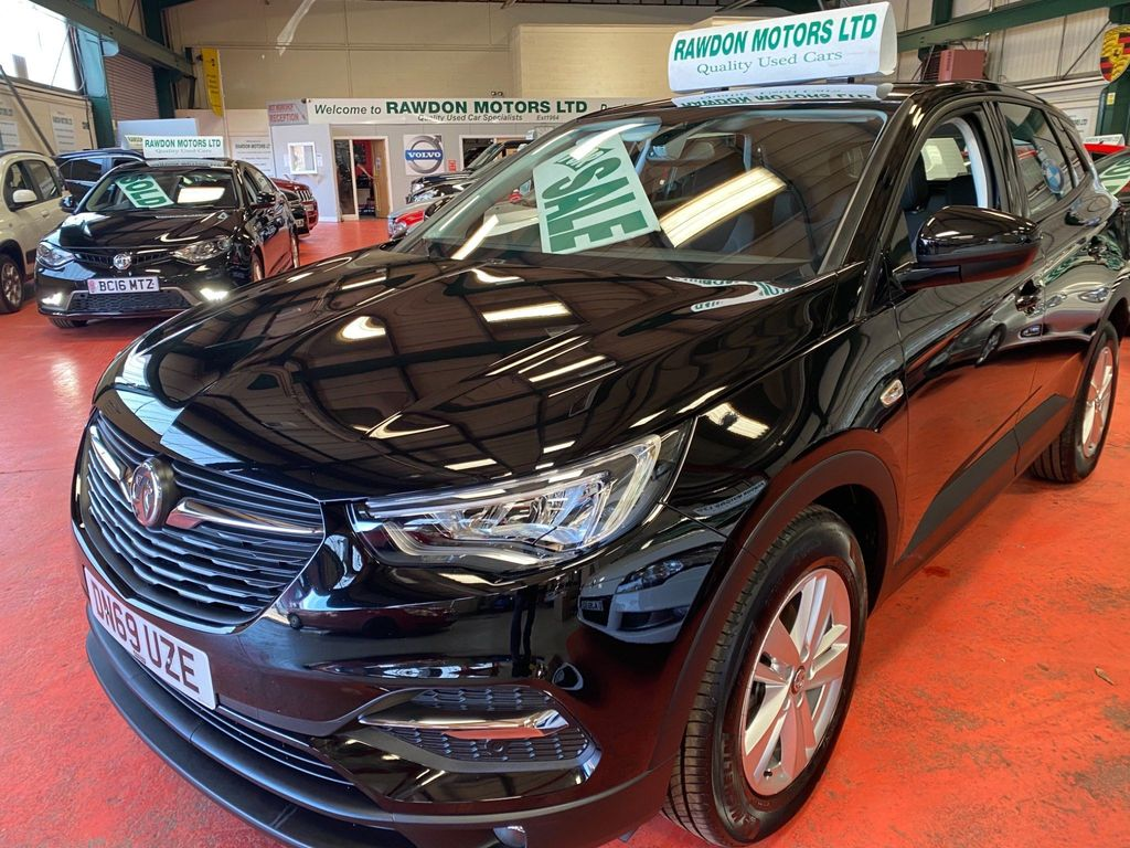 Vauxhall Grandland X SUV 1.2 Turbo SE (s/s) 5dr