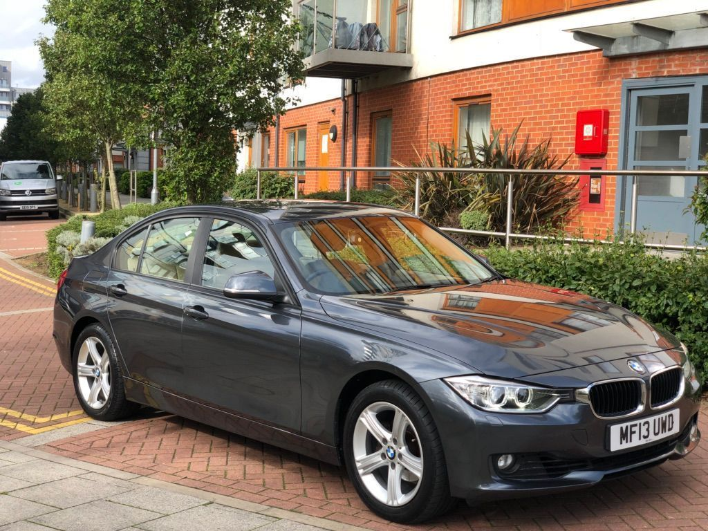 BMW 3 SERIES Saloon 2.0 320i SE xDrive 4dr