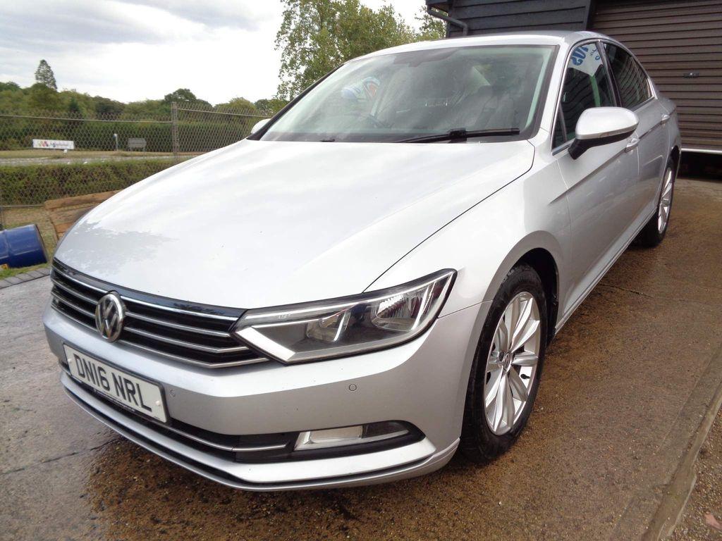Volkswagen Passat Saloon 1.6 TDI BlueMotion Tech SE (s/s) 4dr