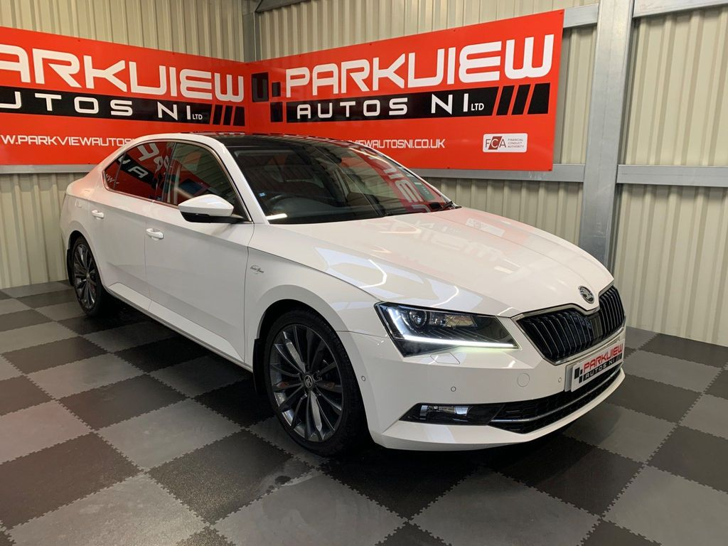 SKODA Superb Hatchback 2.0 TDI Laurin & Klement DSG (s/s) 5dr