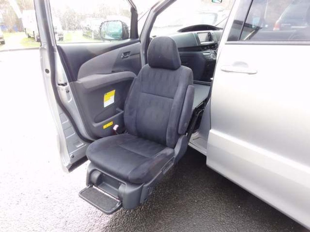 Toyota Estima MPV DISABLED WELCAB FRONT PASSENGER SEAT