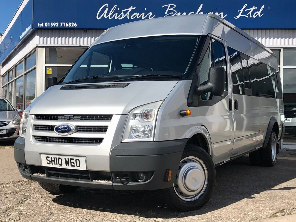 Ford Transit Minibus 2.4 TDCi 430 Trend Medium Roof Bus EL 4dr (Extra Long, 17 Seat)