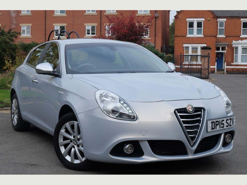 Alfa Romeo Giulietta Hatchback 1.6 JTDM-2 Distinctive (s/s) 5dr