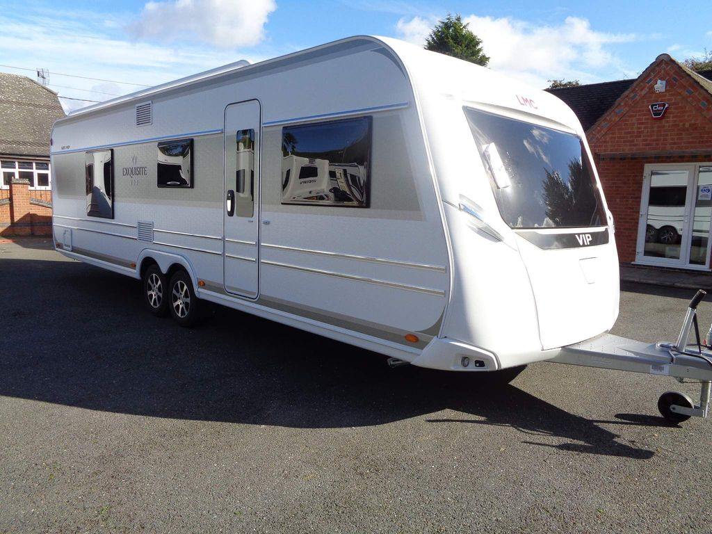 LMC 685 Vip Exquisit Tourer TAKING ORDERS FOR EARLY 2022,5 BERTH,FIXED TRANSVERSE ISLAND BED WITH END WASHROOM.
