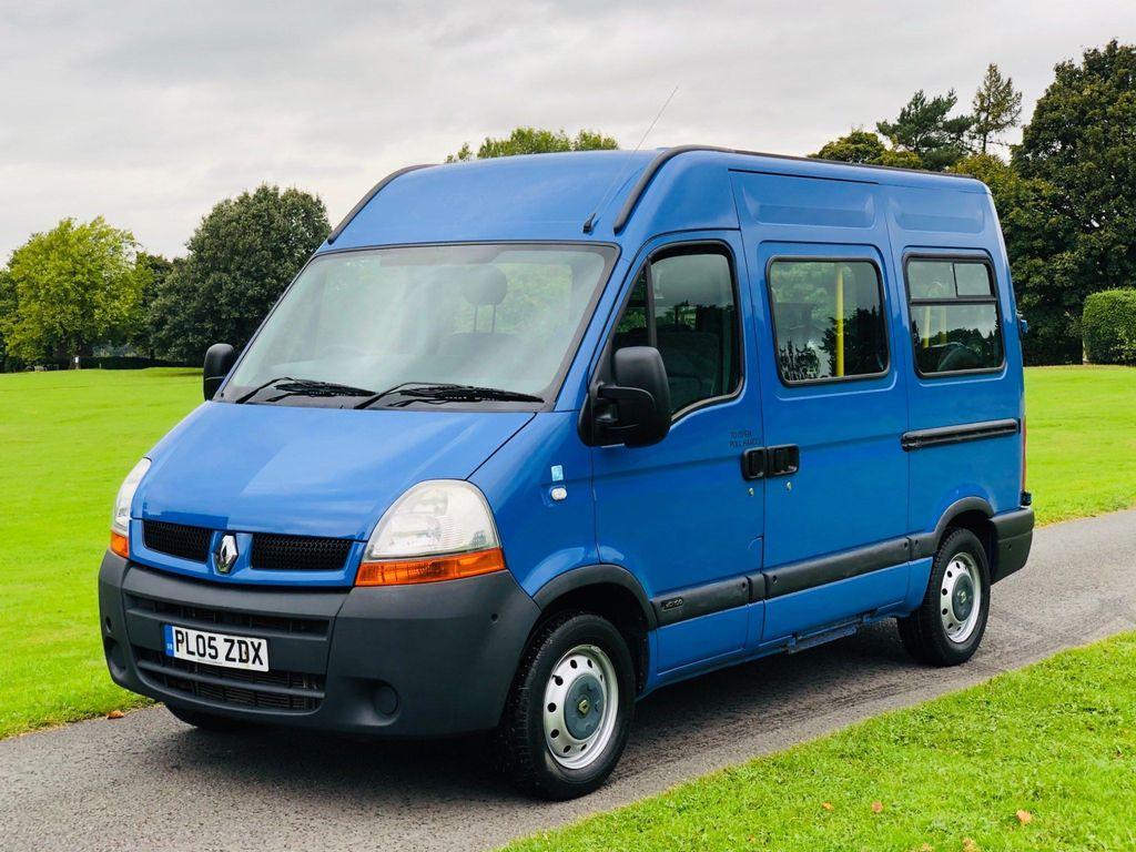 Renault Master Panel Van 2.5 dCi SM33 Medium Roof Van (FWD) 4dr