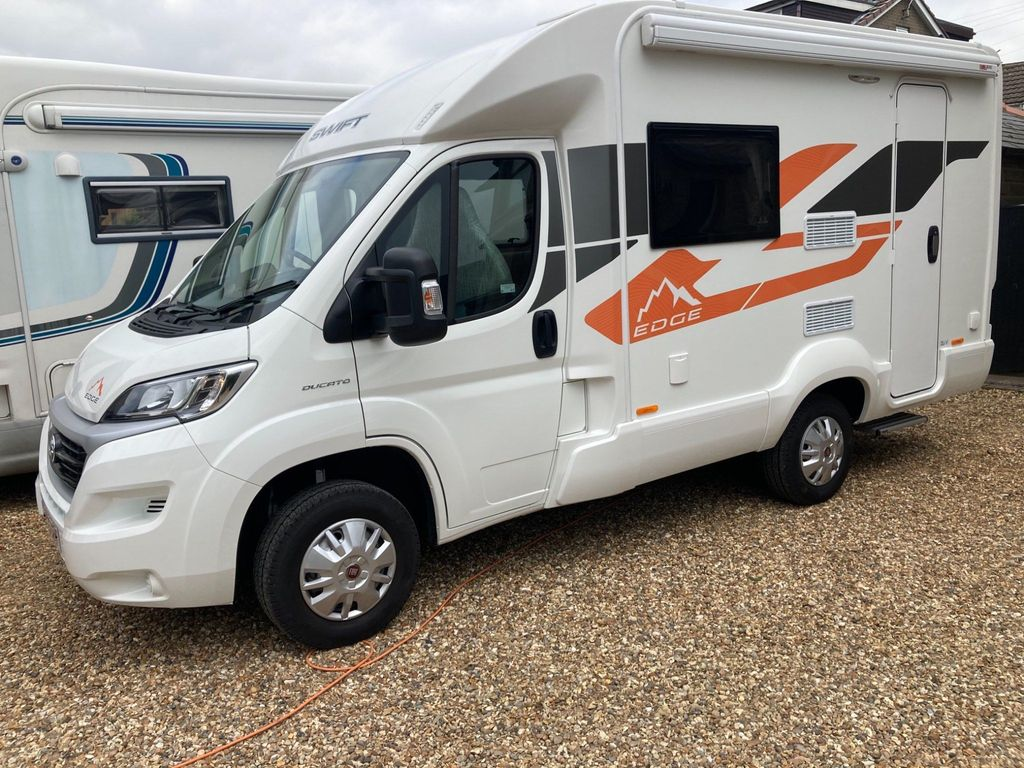 Swift Edge 412 Coach Built 1 OWNER LOW MILES,DELIVERY POSSIBLE