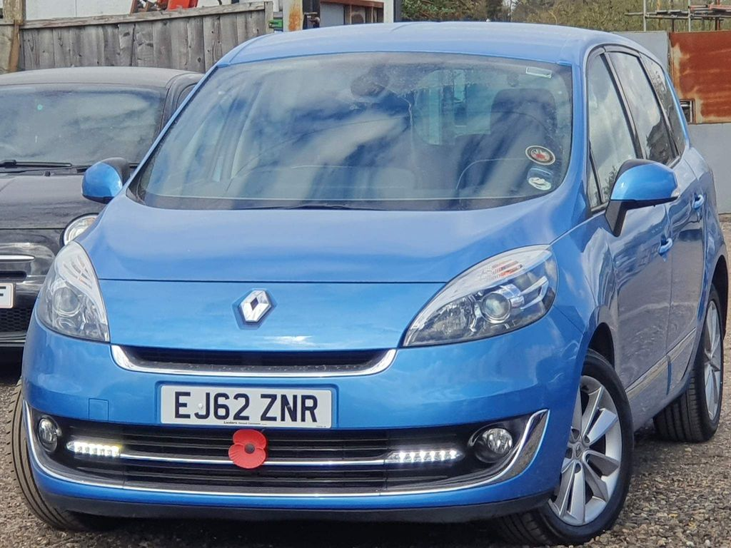 Renault Grand Scenic MPV 1.6 dCi Dynamique TomTom (Luxe pack) (s/s) 5dr