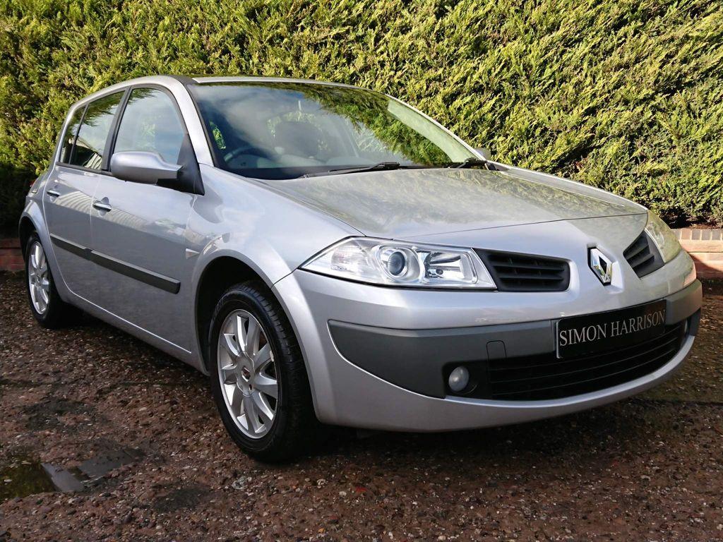 Renault Megane Hatchback 1.4 16v Dynamique 5dr