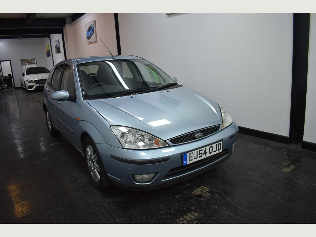 Ford Focus Hatchback 1.8 i 16v Ghia 5dr