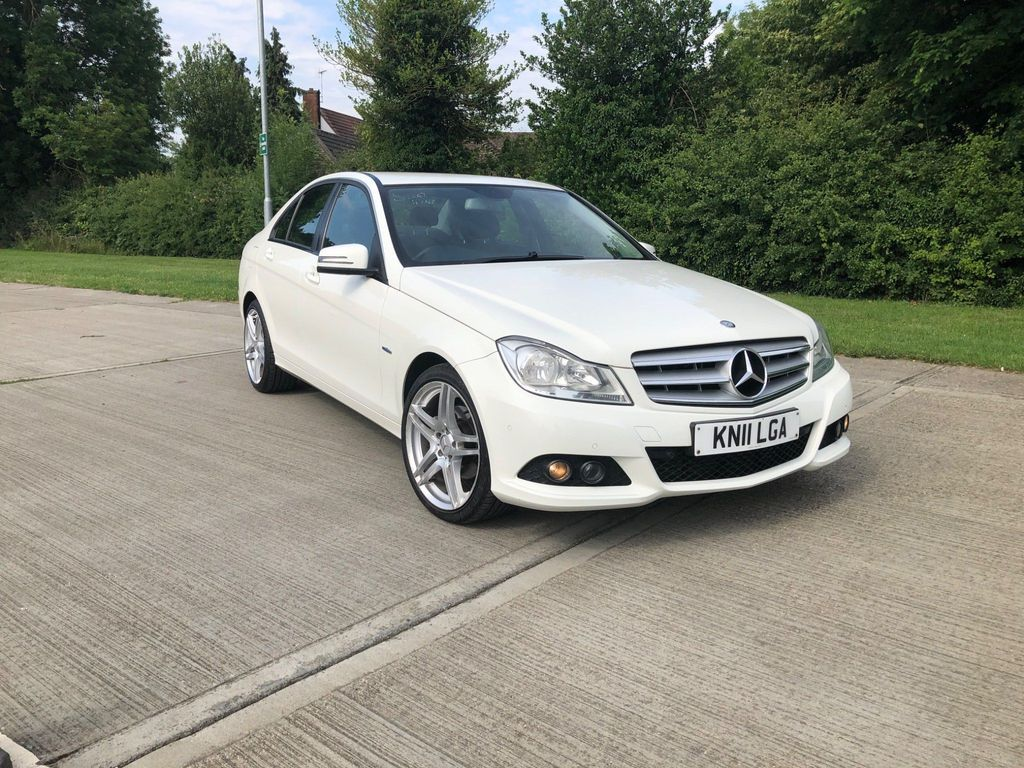 Mercedes-Benz C Class Saloon 2.1 C220 CDI BlueEFFICIENCY SE 7G-Tronic 4dr