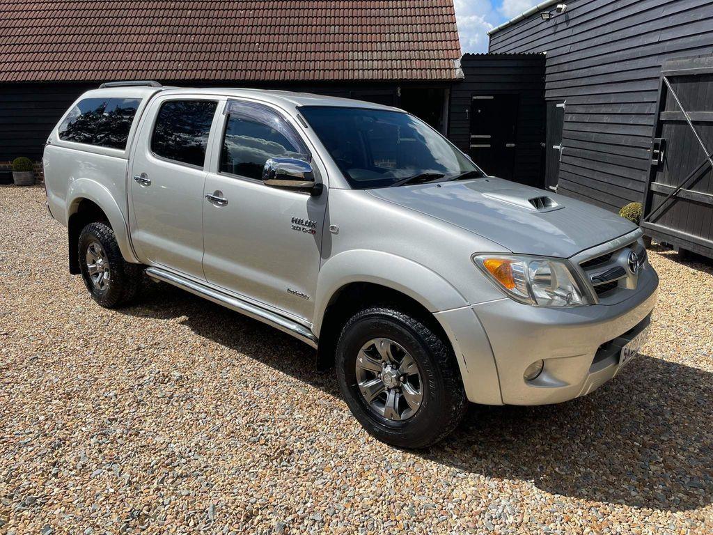Toyota Hilux Pickup 3.0 D-4D Invincible Double Cab Pickup 4dr