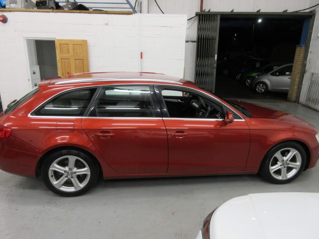 Audi A4 Avant Estate 2.0 TDIe SE Technik Avant 5dr