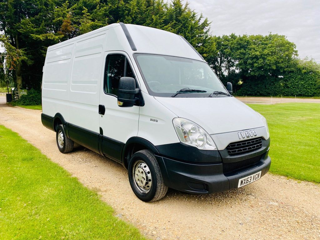 Iveco Daily Panel Van 2.3 TD 35S13V High Roof Van 4dr (MWB)