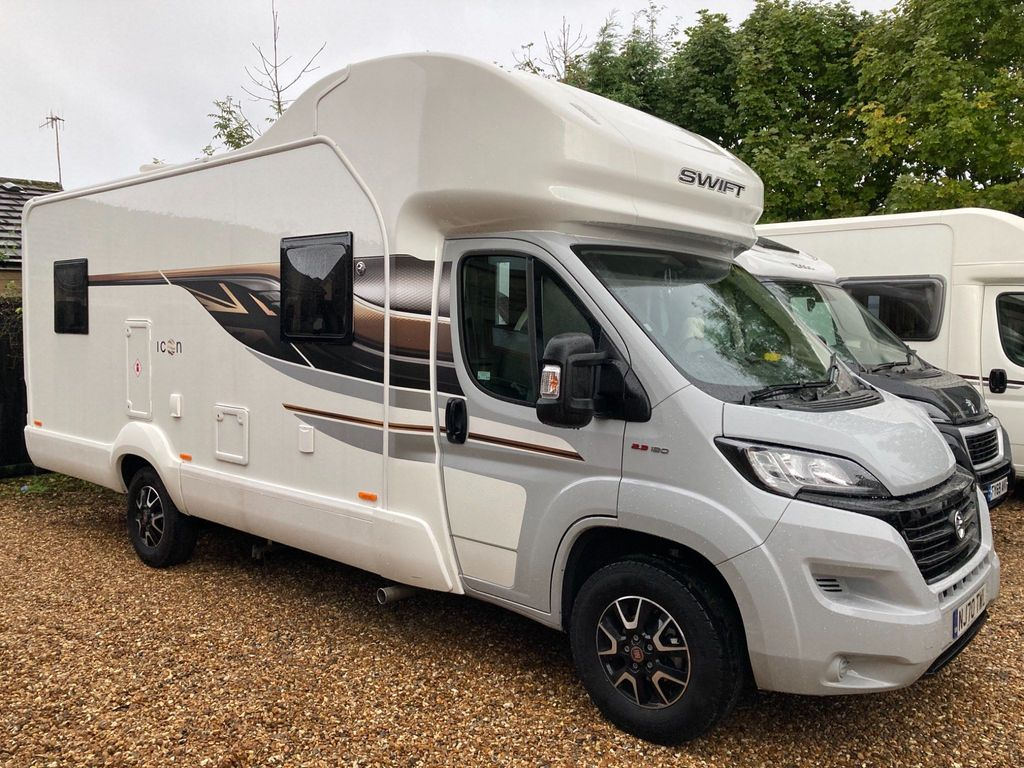 Swift Edge 494 Coach Built ICON 1 OWNER DELIVERY POSSIBLE
