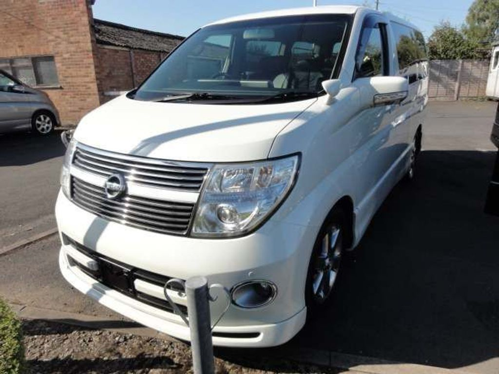 Nissan Elgrand MPV HIGHWAY STAR SERIES 3 FRESH IMPORT