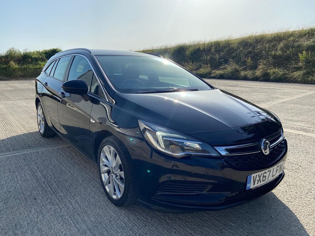 Vauxhall Astra Estate 1.6 CDTi BlueInjection Tech Line Nav Sports Tourer (s/s) 5dr