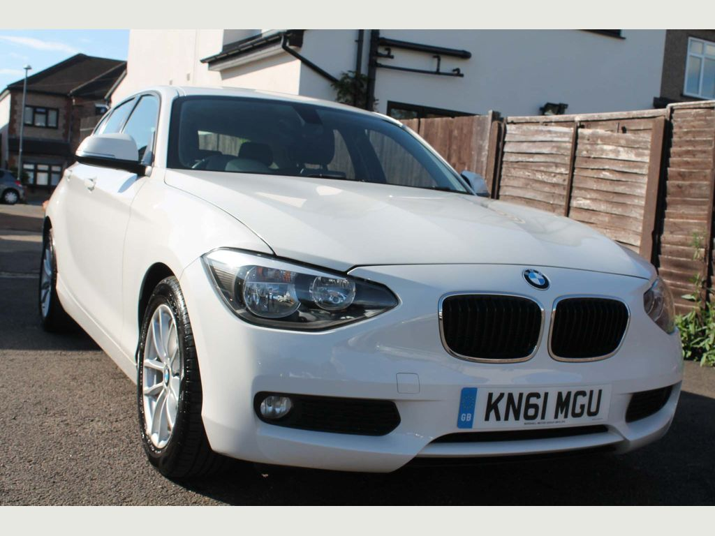BMW 1 SERIES Hatchback 2.0 118d SE 5dr