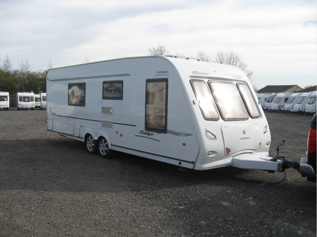 Compass Rallye Tourer 2004 4 BERTH FIXED BED