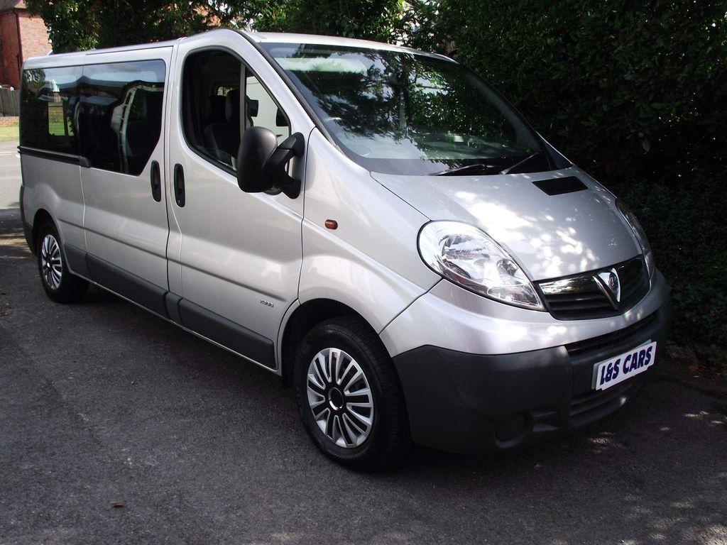 Vauxhall Vivaro Combi Van 2.0 CDTi 2900 Combi 4dr (9 Seats, LWB, EU5)