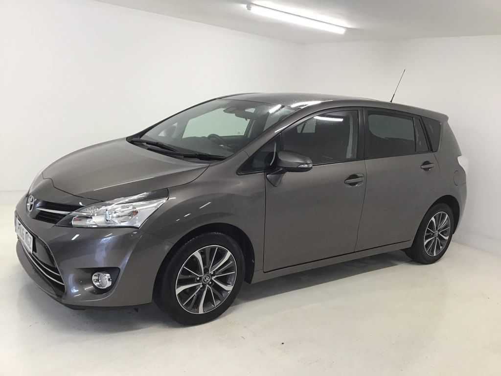 Toyota Verso MPV 1.6 D-4D Design (s/s) 5dr (7 Seat)