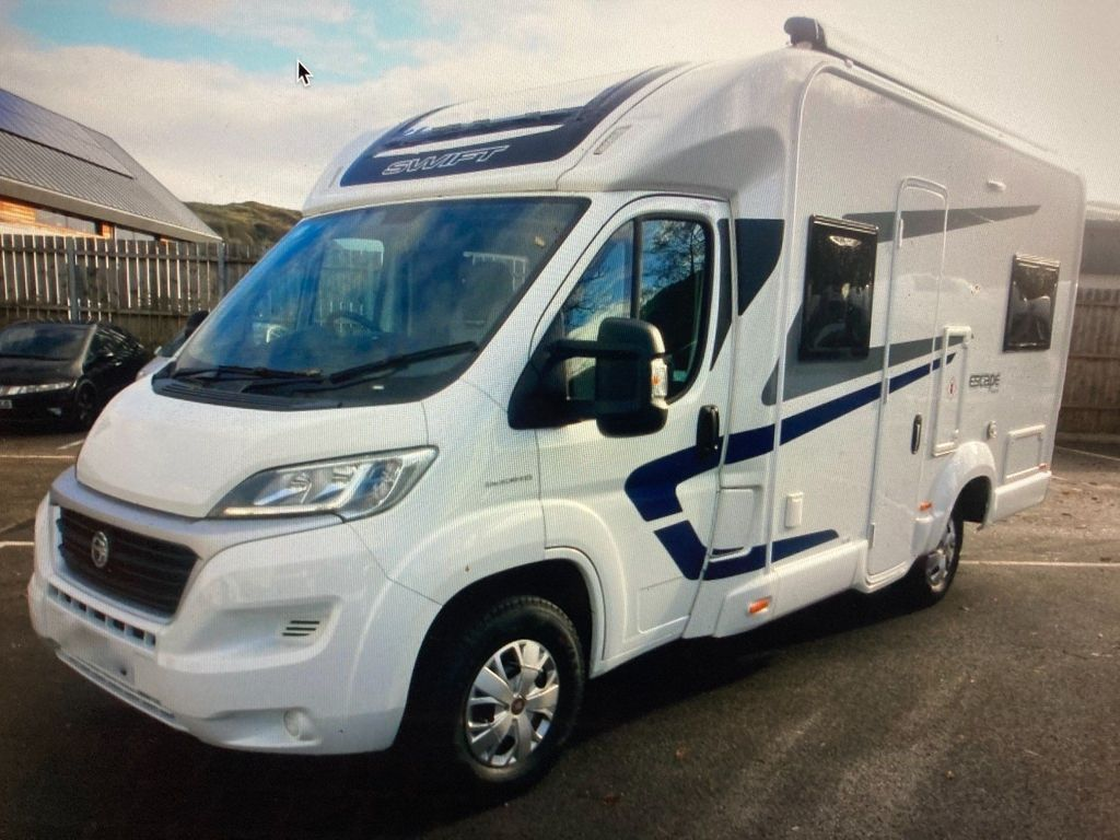 Swift Escape 664 Coach Built DELIVERY POSSIBLE 4 BERTH 4 SEAT BELTS