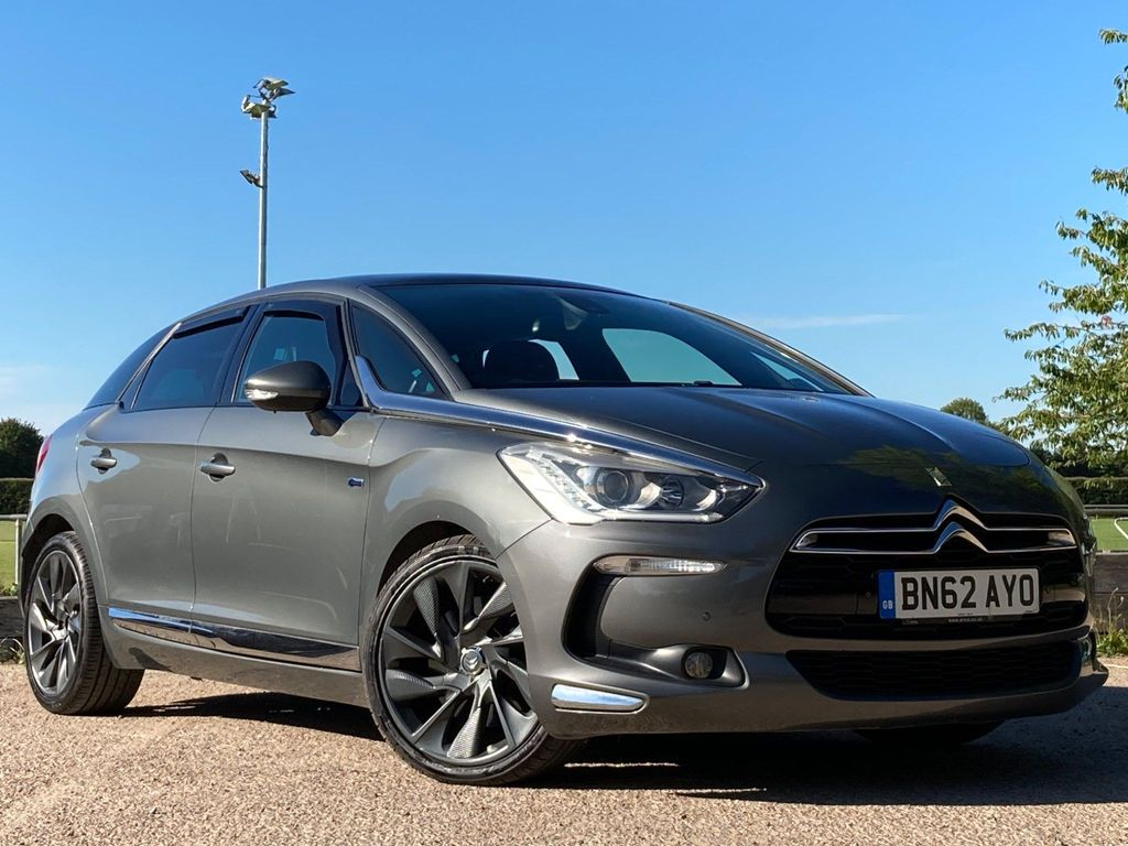 """Citroen DS5 Hatchback 2.0 HDi Airdream Hybrid4 DStyle (17"""" Alloys) 5dr"""