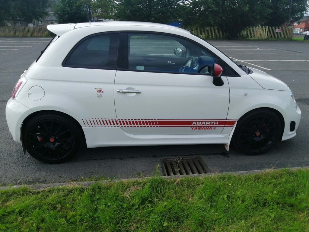 Abarth 595 Hatchback 1.4 T-Jet Yamaha Factory Racing 3dr
