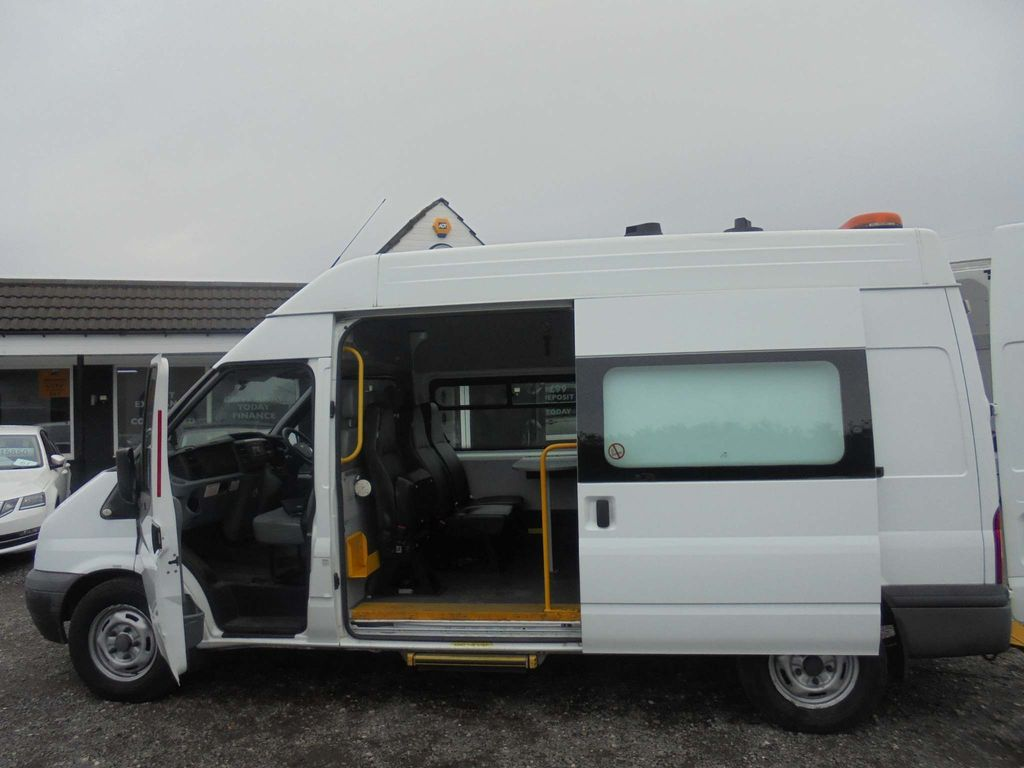 Ford Transit Specialist Vehicle 2.2 TDCi 350 MWB High Roof 3dr